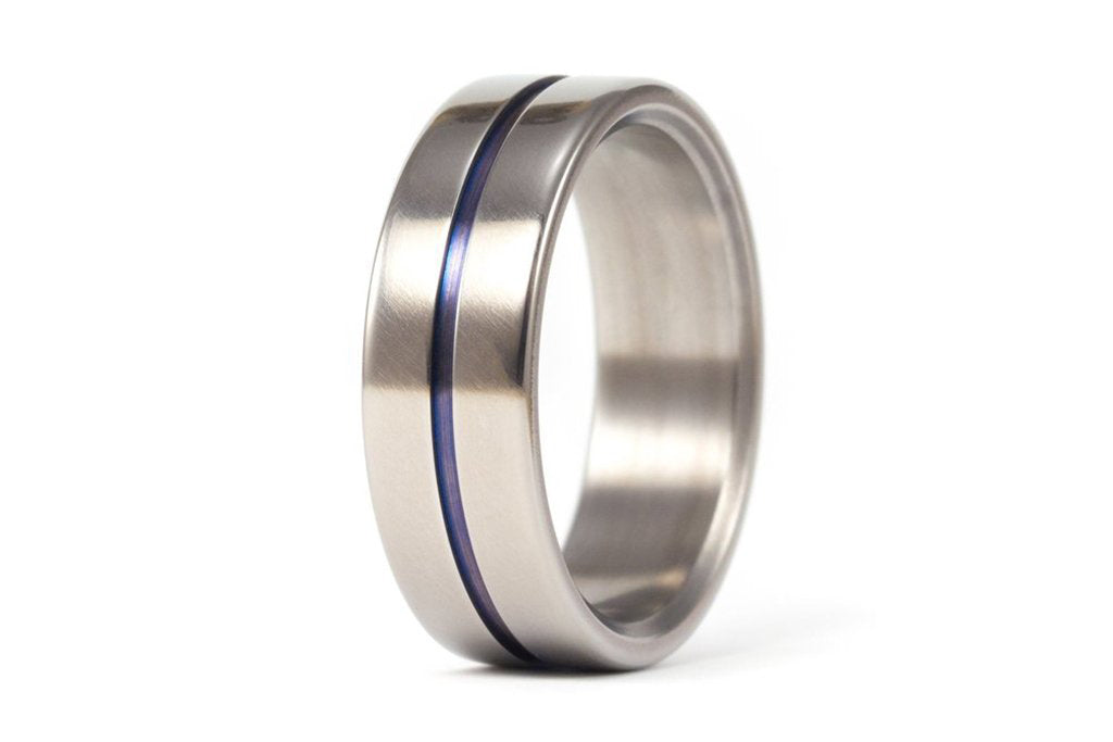 Polished titanium ring with blue anodized inlay (00016_7N)