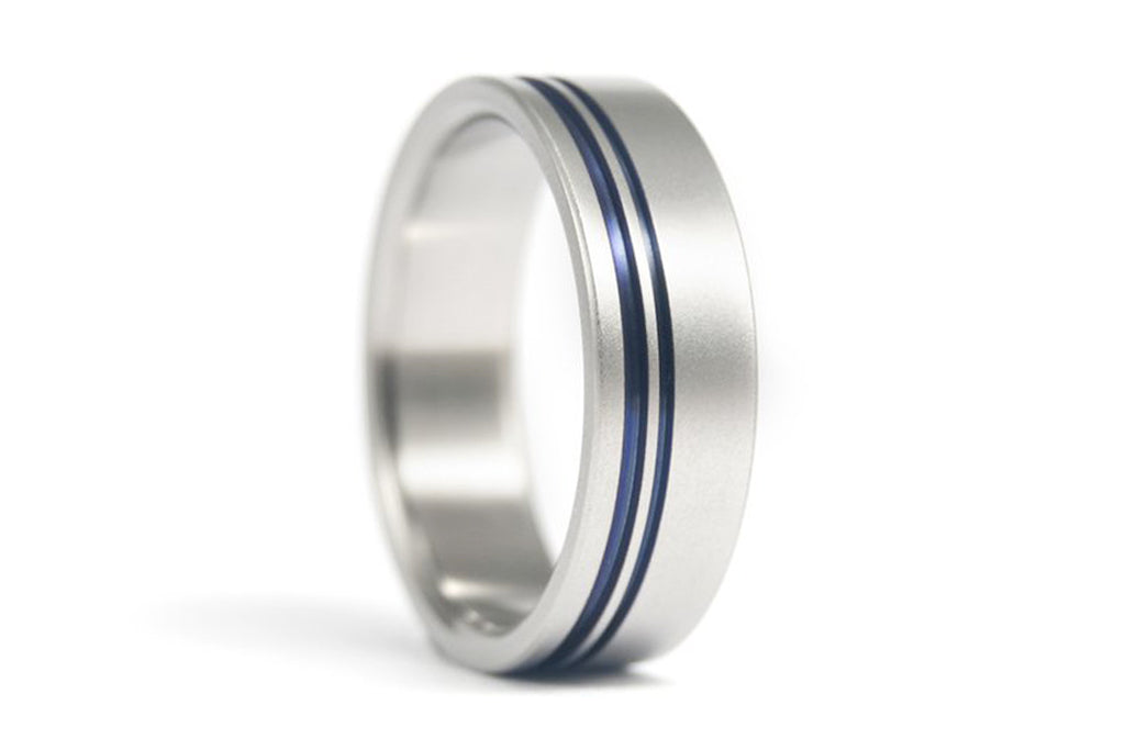 Titanium ring with anodized inlays (00014_7N)