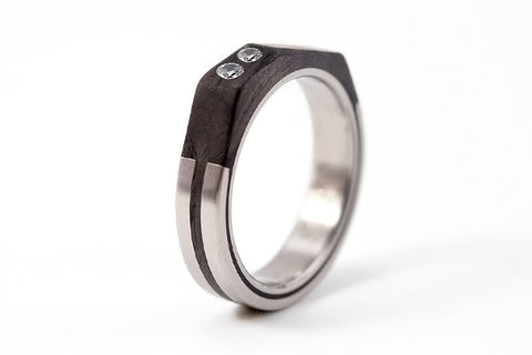 Titanium and carbon fiber ring with Swarovskis (00329_4S2_1)