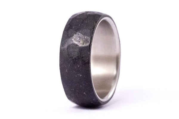 Hammered concrete and titanium ring (00703_8N)
