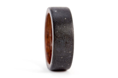 Concrete and wenge bentwood ring (00902_8N )