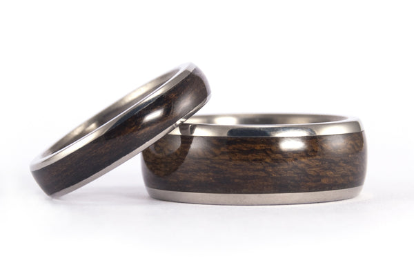 Titanium and bentwood wedding bands (00528_4N7N)