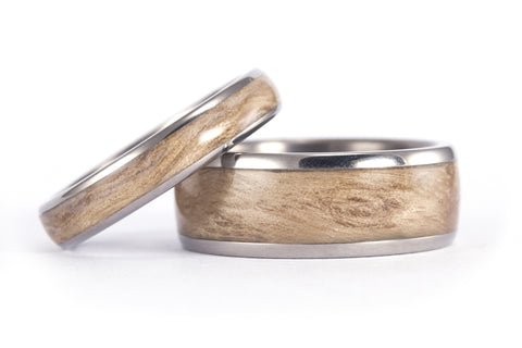 Titanium and bentwood wedding bands (00525_4N7N)
