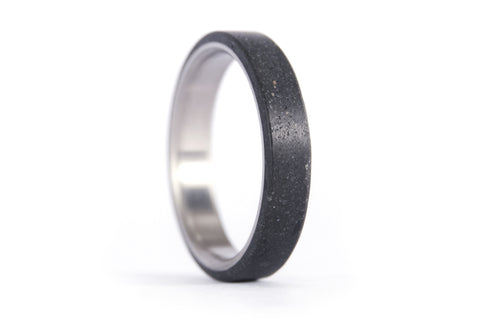 Titanium and black concrete ring (00700_4N)