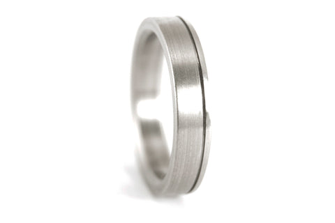 Brushed titanium ring with polished inlay (00020_4N)