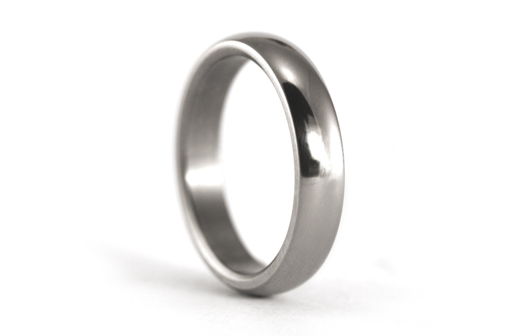 Polished titanium ring (00001_4N)