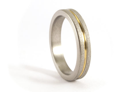 Sandblasted titanium ring with yellow gold 18ct (00558_4N)
