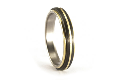 18ct gold, titanium and carbon fiber ring (00559_4N)