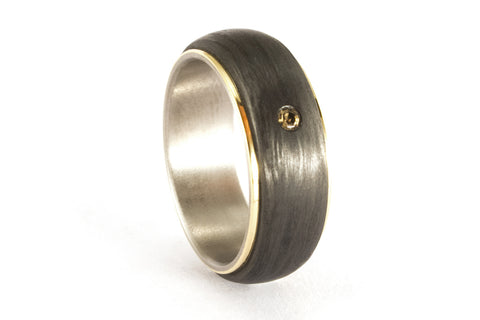 18ct gold, titanium and carbon fiber ring (00422_7S3)