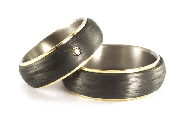 18ct yellow gold, titanium and carbon fiber wedding bands with crystal (00422_7S3_7N)
