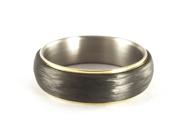 18ct yellow gold, titanium and carbon fiber wedding bands (00422_7N7N)
