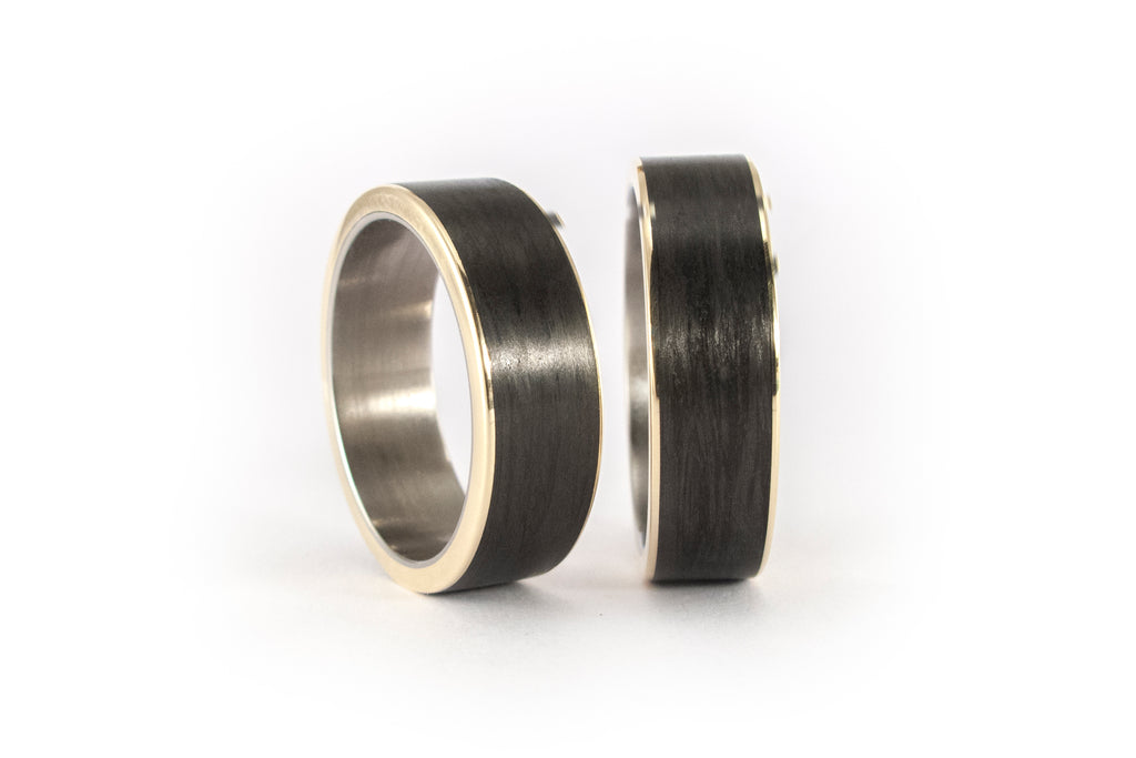 Set of 18ct yellow gold and carbon fiber rings (44900_7N)