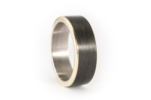 18ct yellow gold and carbon fiber ring (44900_7N)