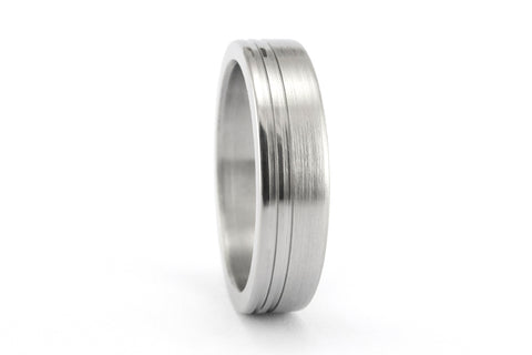 Women's brushed titanium ring with polished inlays (00026_5N)