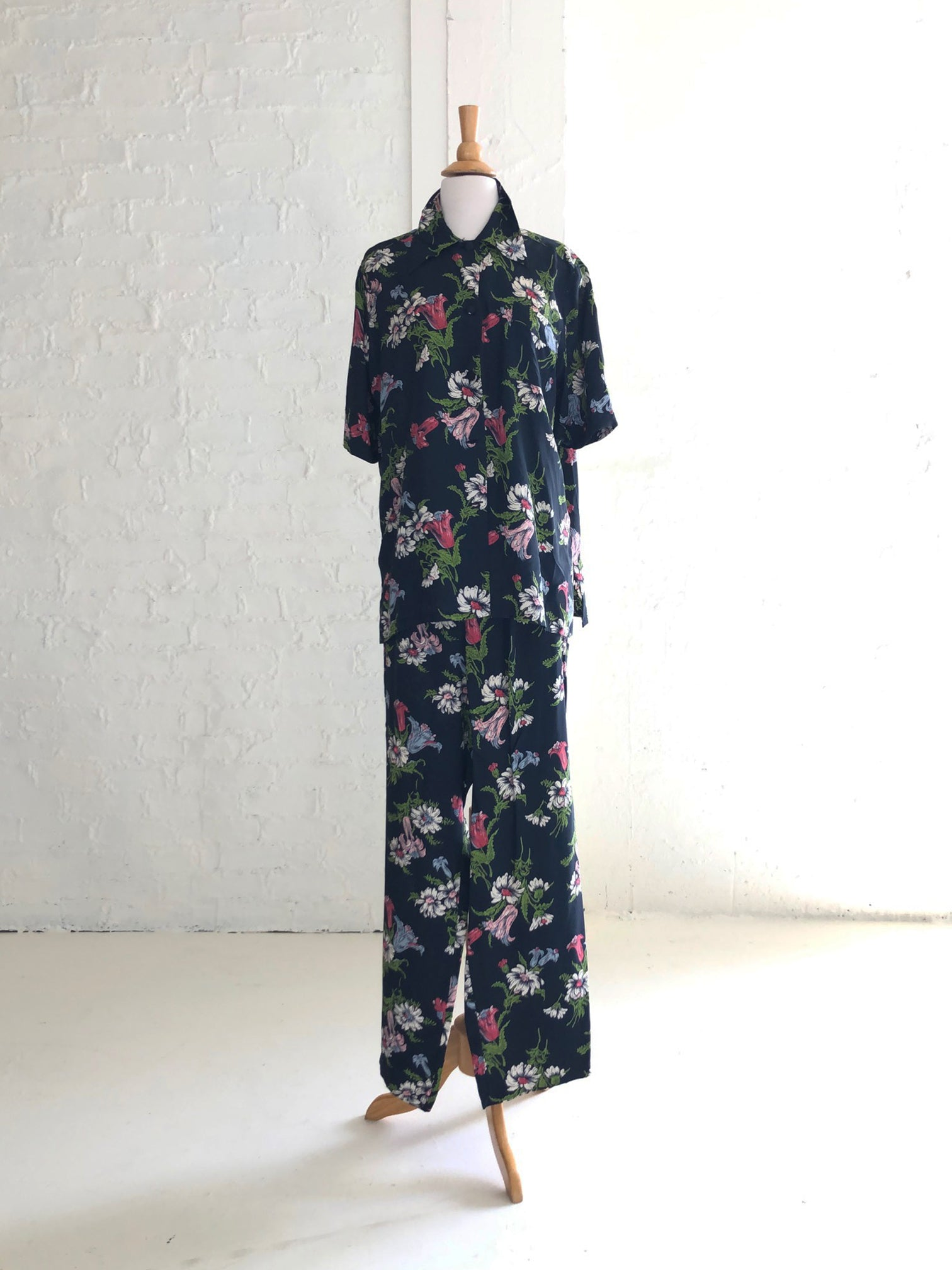 1940's Dark Floral Pajama Set