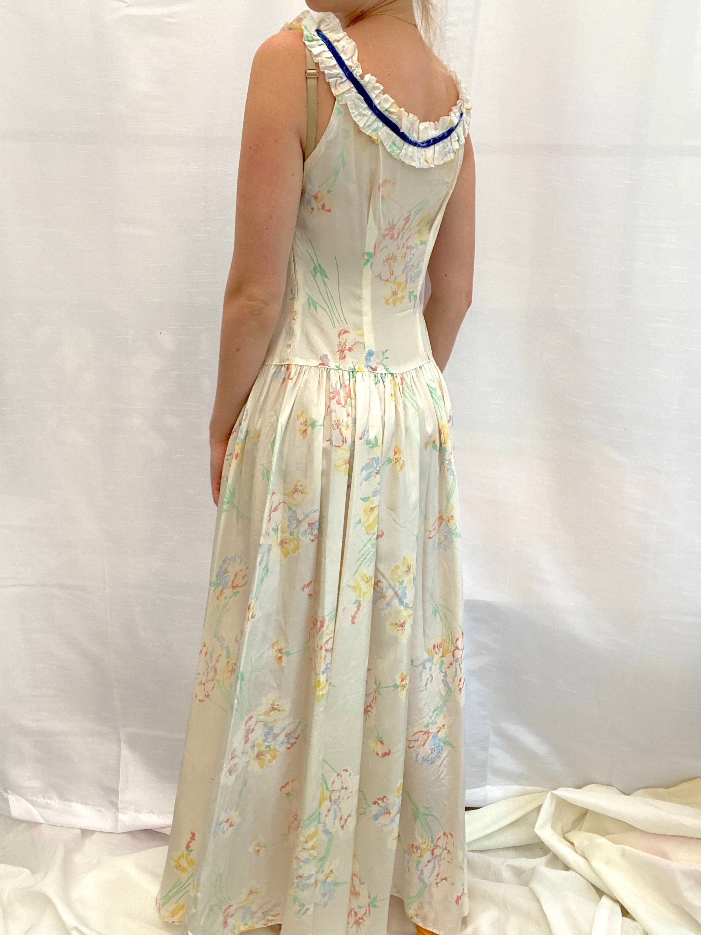 1930's Floral Print Taffeta Dress