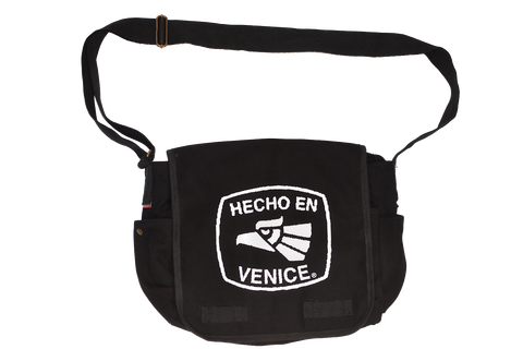 HECHO EN VENICE MESSENGER BAG