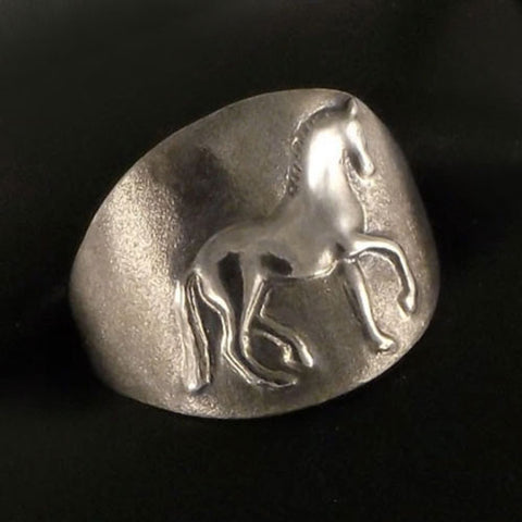 ..Sterling Piaffe Horse Ring