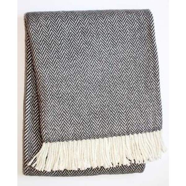Skyline Chevron Dark Grey Throw - Boutique Marie Dumas