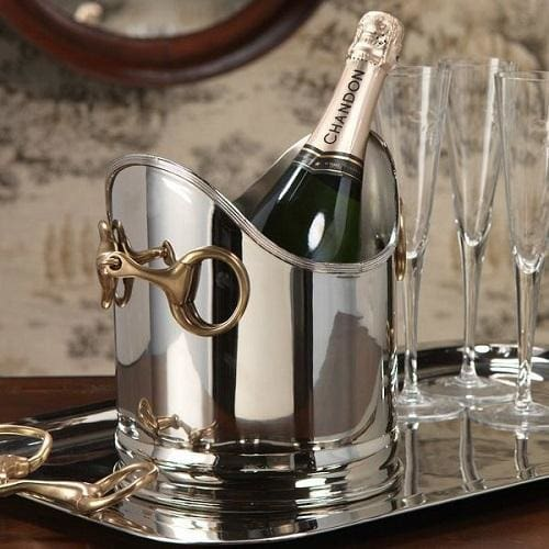 <center> Elegant carafes and bar accessories for all occasions. </center>