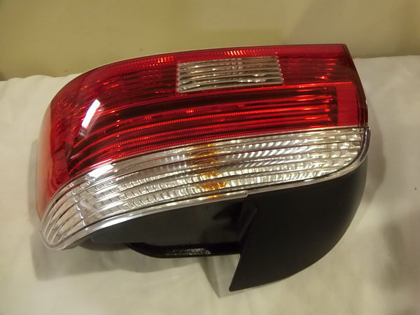 RIGHT REAR LIGHT, WHITE TURN INDICATOR - 63216902530