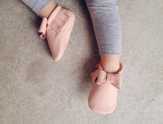 MOCCS - Classic Bow Moccasins