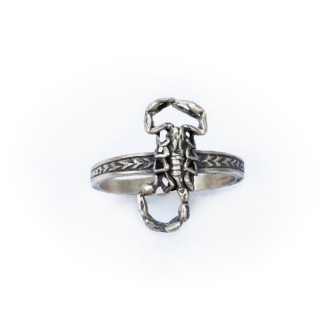 Little scorpion ring