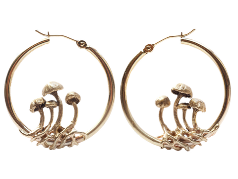 Small mushroom hoop earrings