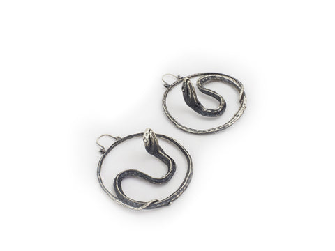 Serpent hoops