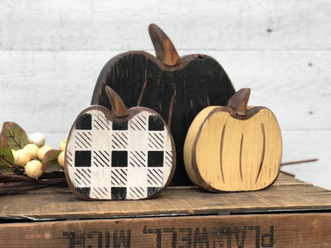 Buffalo Check Pumpkin Small