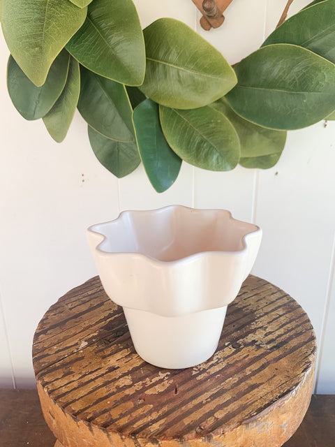 "White Imperial 4"" Planter"