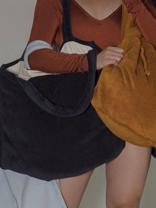 BASERANGE | RILLOS BAG | MIDNIGHT BLUE VELOUR