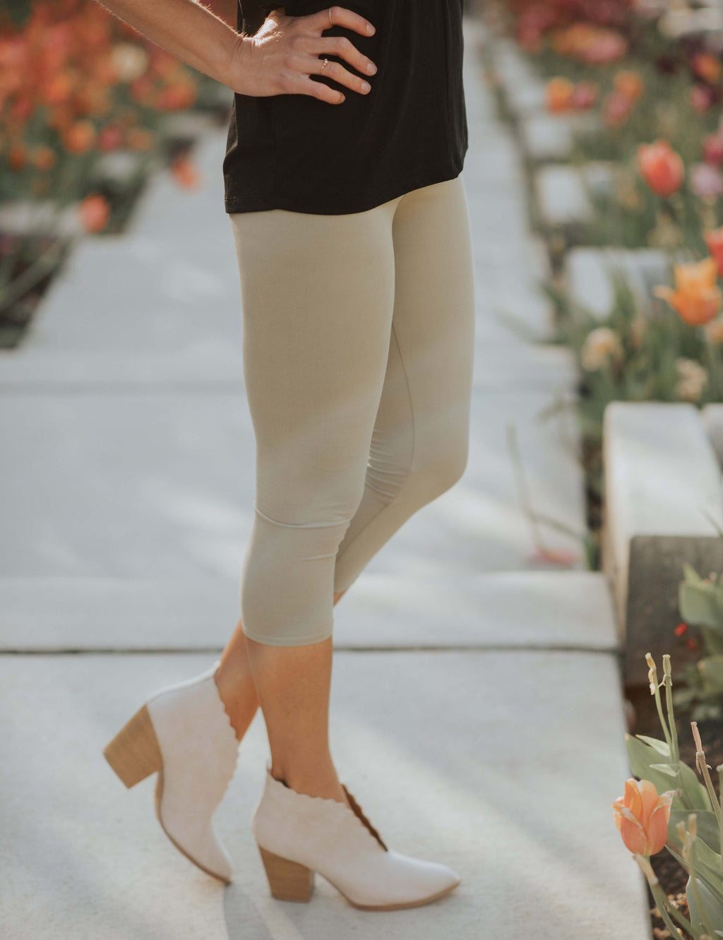 SA Exclusive Light Olive Capri Leggings