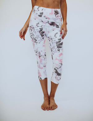 SA Exclusive Watercolor Capri Leggings