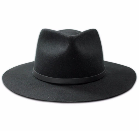 Frontal view of the Dylan wide brim fedora in black