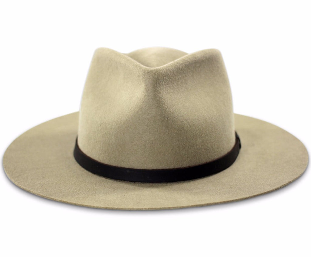 Frontal view of the Dylan wide brim fedora in putty