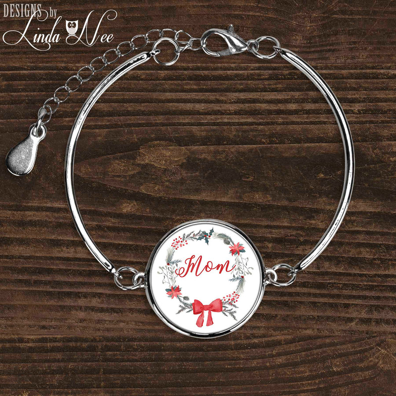 Mom Wreath Bracelet