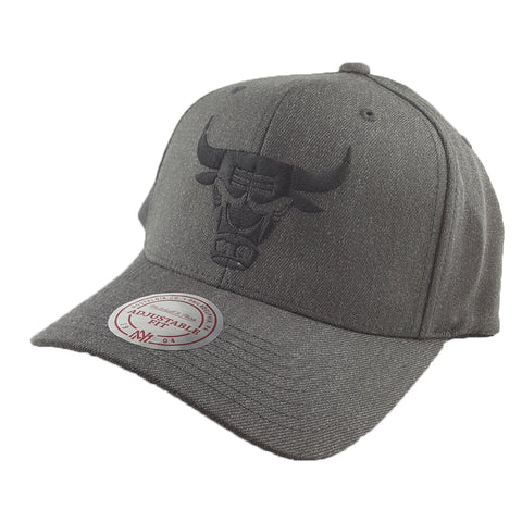 Mitchell & Ness - Charcoal & Cut-Out Team Logo Flex 110 Snapback - Chicago Bulls
