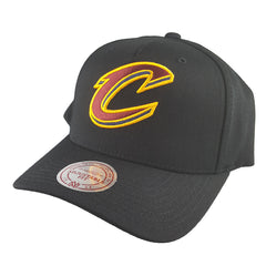 Mitchell & Ness - Black & Team Colour Logo 110 Pinch Panel Snapback - Cleveland Cavaliers - Cap City