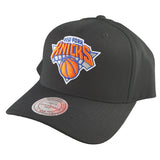 Mitchell & Ness - Black & Team Colour Logo 110 Pinch Panel Snapback - New York Knicks
