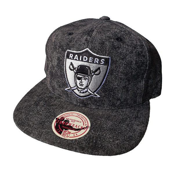 MITCHELL & NESS - Team Logo 6 Panel Deadstock Snapback - Oakland Raiders