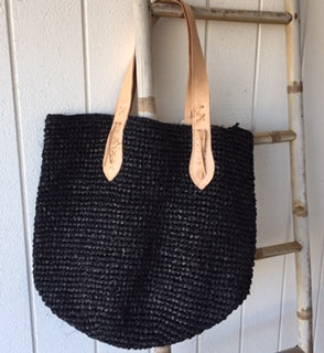 LUXE RAFFIA BLACK BAG