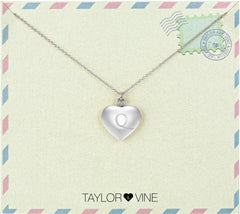 Taylor and Vine Love Letter Q Heart Pendant Silver Necklace Engraved I Love You
