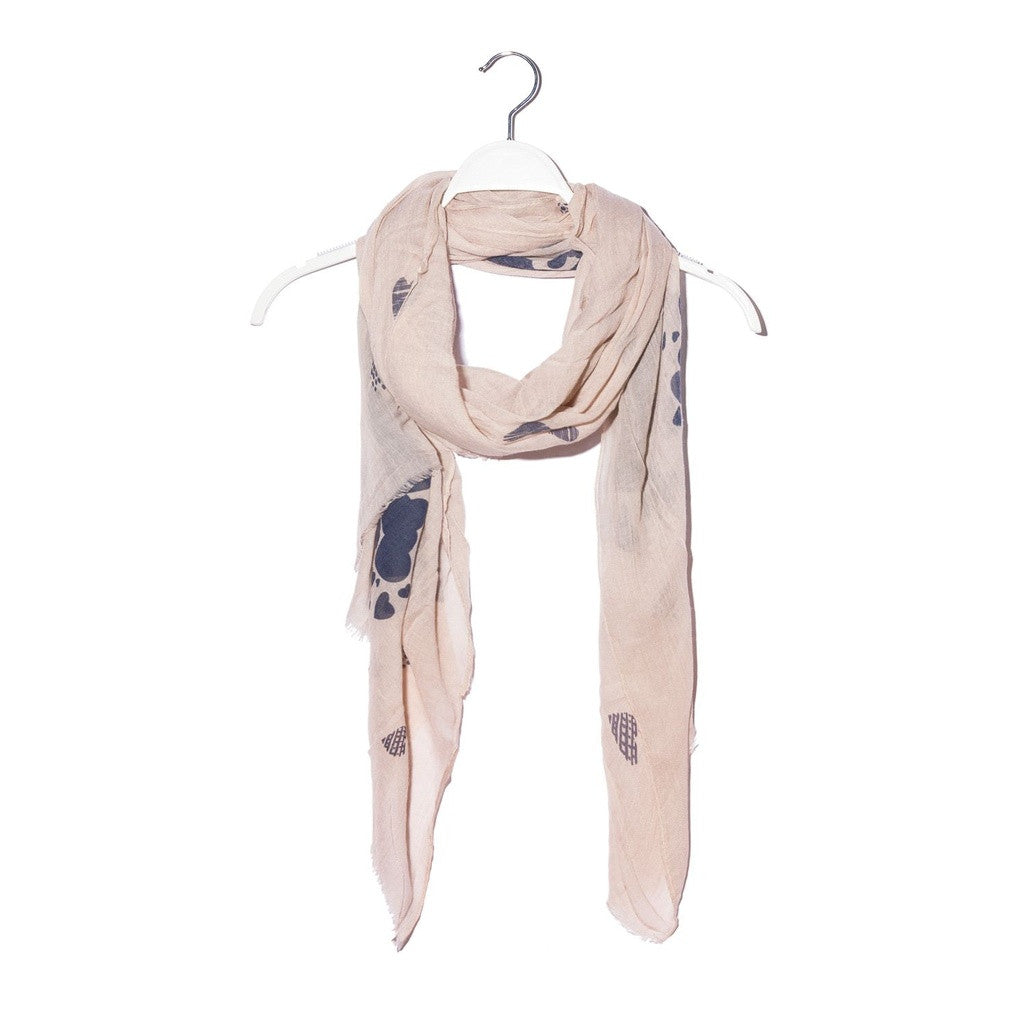Beige soft scarf in blue heart print- Q2 Store - Shopstara