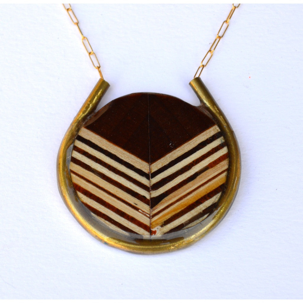 Chevron in Circle Necklace/Gold