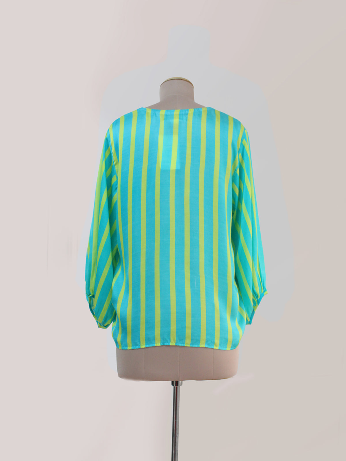 TURQUOISE STRIPED APPLIQUED TOP