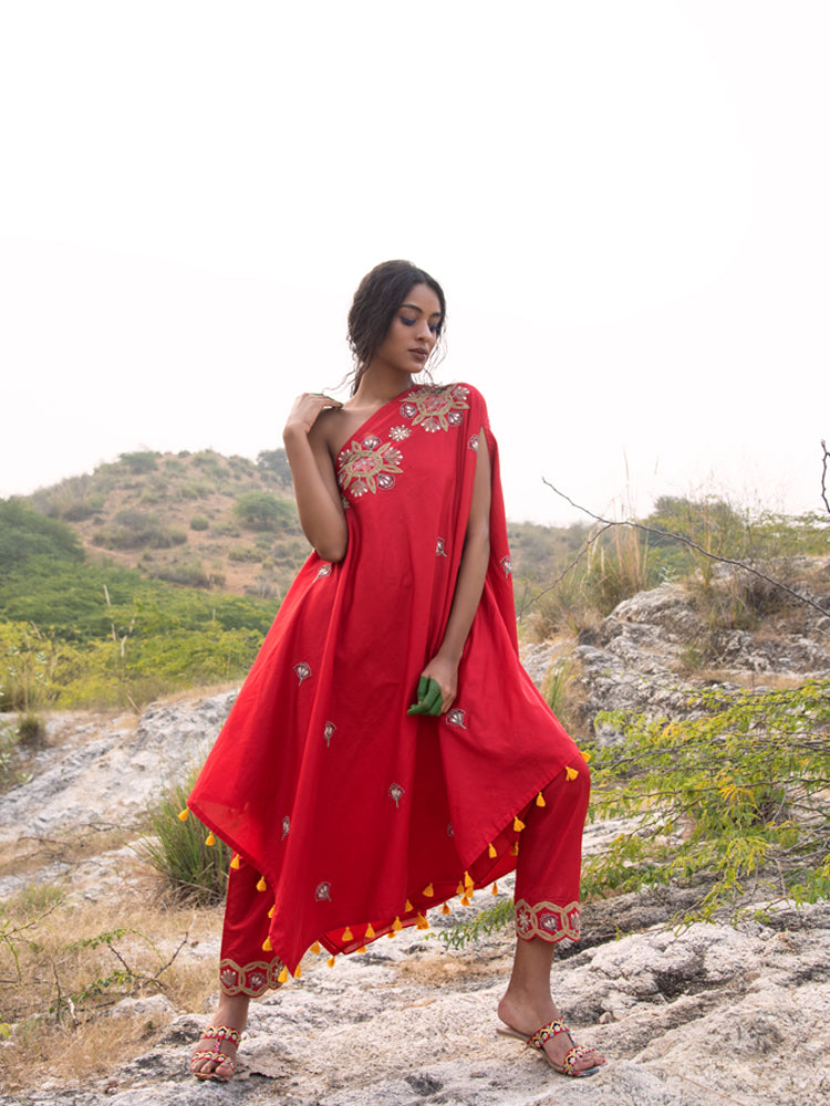MORBAGH RED embroided  one shoulder cape with pants