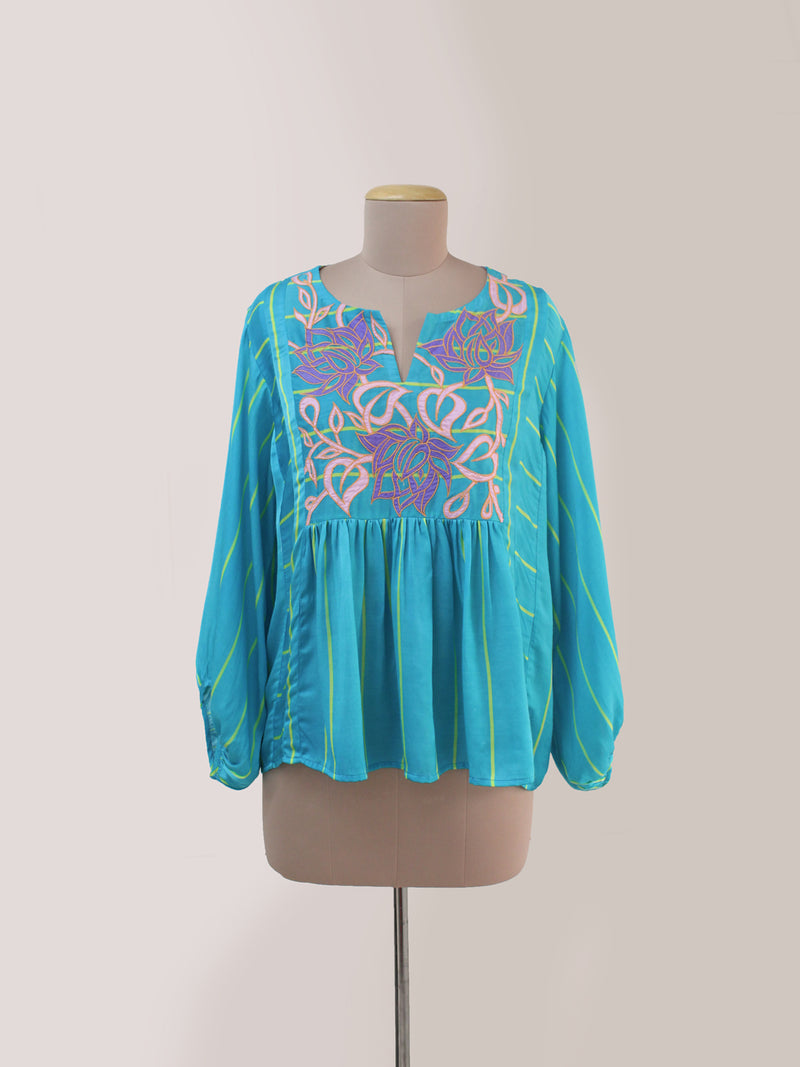 TURQUOISE STRIPED APPLIQUE TOP