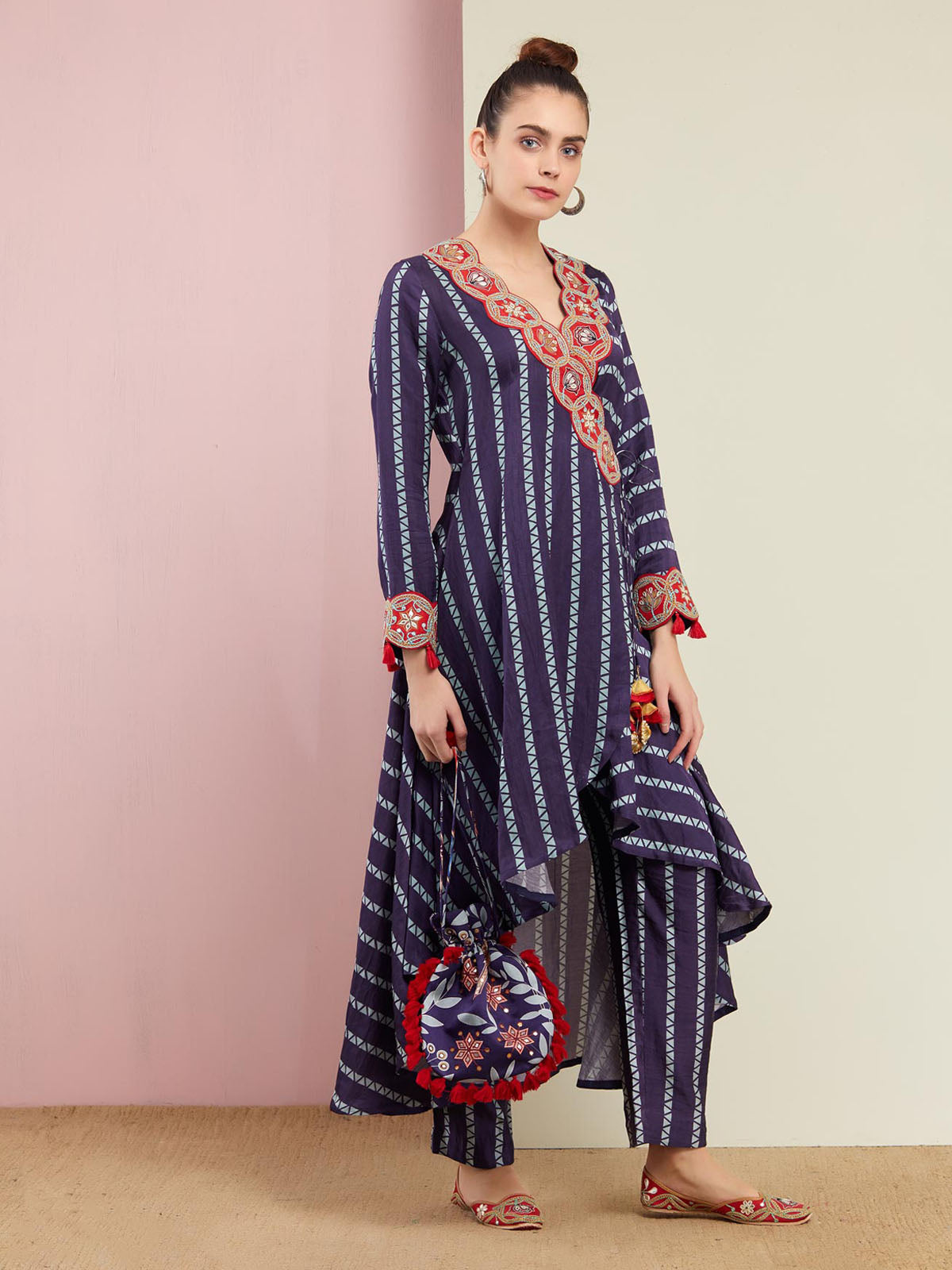NAVY TRIANGLE PRINT WRAP DRESS WITH STRIAGHT PANTS
