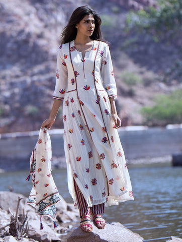 Love For Stripes Printed Motif Kurta